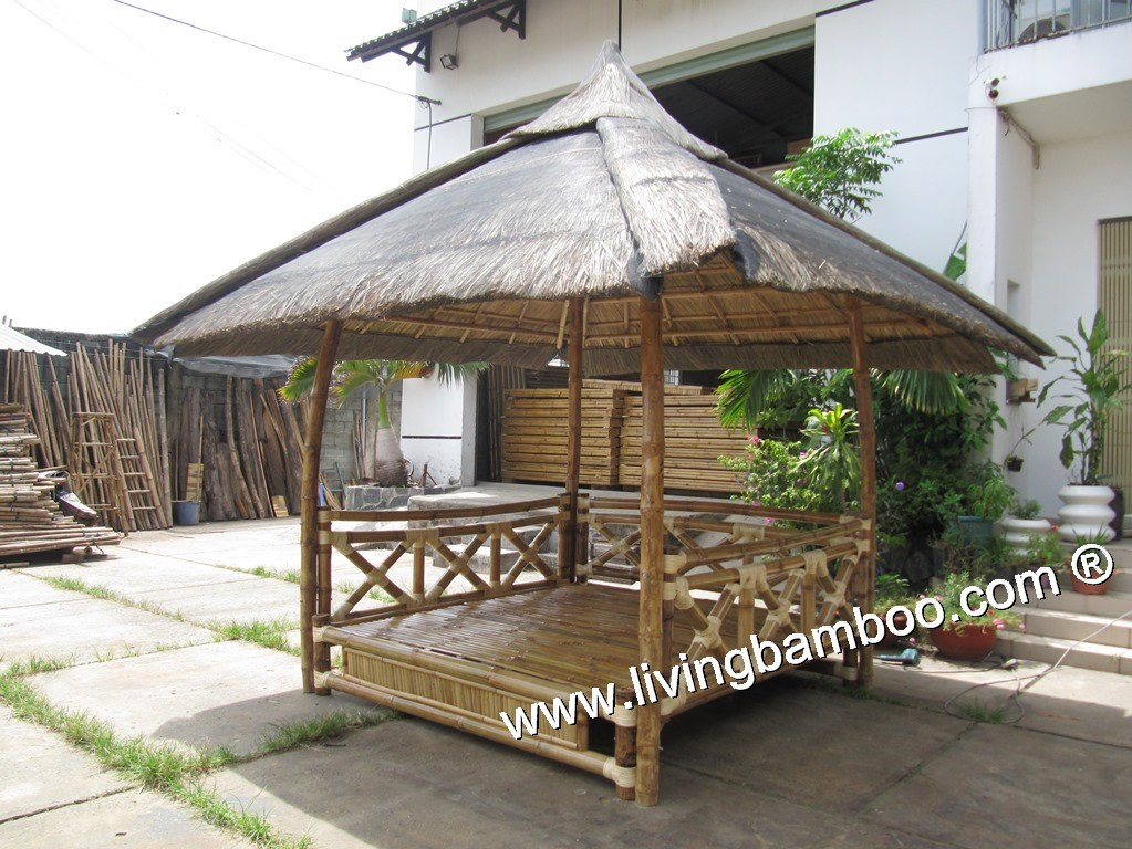 -GOLDING GAZEBO BED